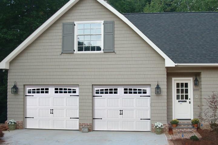 Raynor Aspen™ AP138 Garage Door